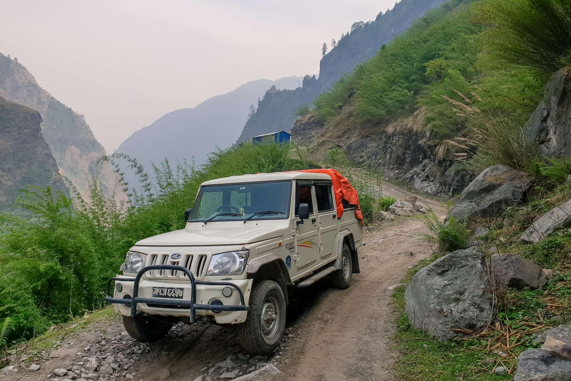 Nepal Annapurna Circuit car