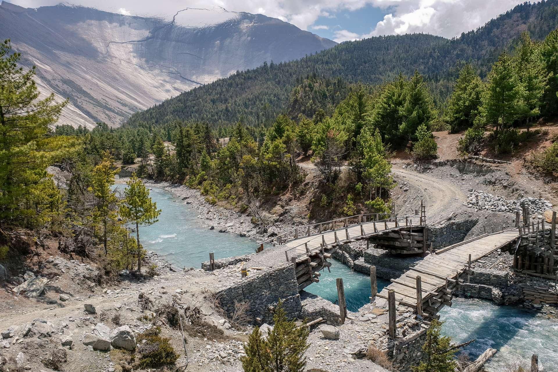 Nepal Annapurna Circuit trekking river bridge