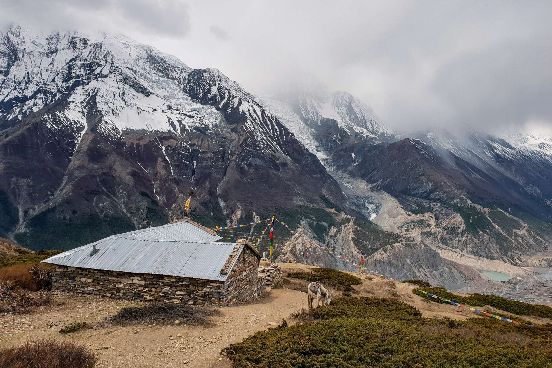 Nepal Annapurna Circuit trekking mountains