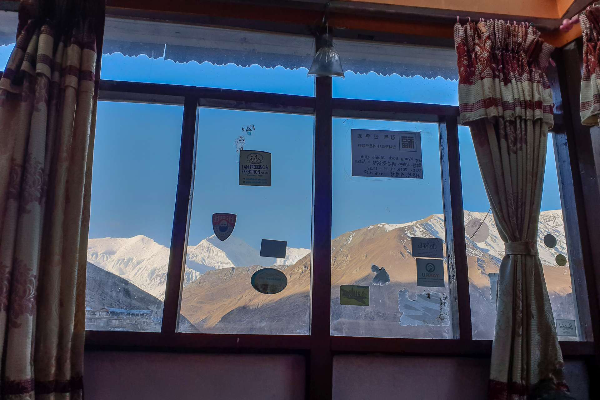 Nepal Annapurna Circuit trekking window view