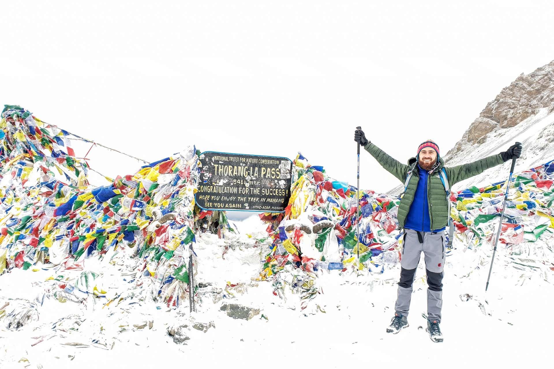 Nepal Annapurna Circuit trekking Thorong La pass